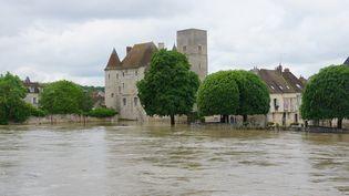 La ville de Nemours (Seine-et-Marne) inondée, le 1er juin 2016. (CITIZENSIDE / DOMINIQUE JUILLET / AFP)