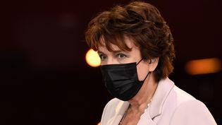 La ministre de la Culture Roselyne Bachelot sur la scène du Théâtre Mogador à Paris, le 1er février 2021. (BERTRAND GUAY / AFP)