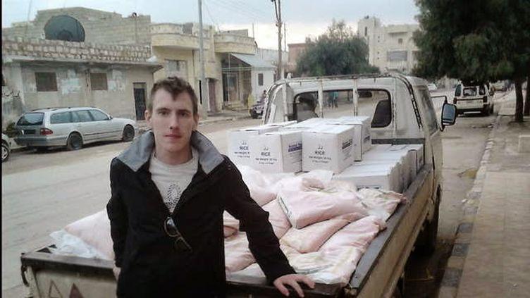 Photographie de Peter Kassig, otage américain décapité par le groupe Etat islamique, datée du 4 octobre 2014 et fournie par sa famille. ( AFP )