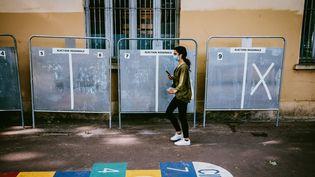 Des panneaux électoraux à Toulouse (Haute-Garonne), le 30 mai 2021. (MAXIME LEONARD / HANS LUCAS VIA AFP)