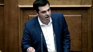Le Premier ministre grec, Alexis Tsipras, prend la parole au Parlement grec, le 5 juin 2015. (ANGELOS TZORTZINIS / AFP)