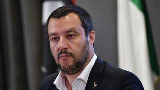 Le ministre de l'Intérieur italien Matteo Salvini lors d'une conférence de presse à Rome, en Italie, le 5 juillet 2018. (ANDREAS SOLARO / AFP)