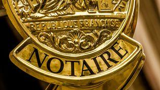 L'emblème d'un office notarial à Lille (Nord). (AFP)