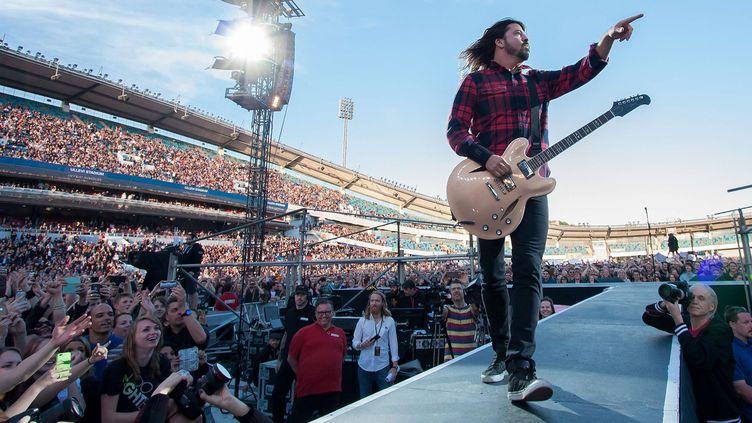 Dave Grohl des Foo Fighters sur scène vendredi 12 juin à Göteborg (Suède).  (Mats Andersson/WENN.com/SIPA)