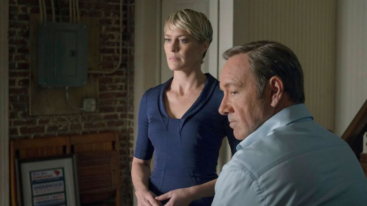 "Claire (Robin Wright) et Frank Underwood (Kevin Spacey) de la série ""House of cards"". (FR_TMDB)"