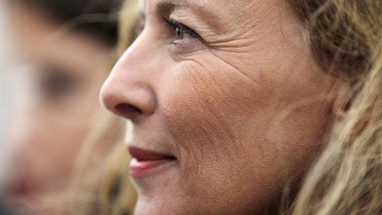 La journaliste et ancienne compagne de François Hollande, Valérie Trierweiler, le 20 août 2014 àOuistreham (Calvados). (CHARLY TRIBALLEAU / AFP)