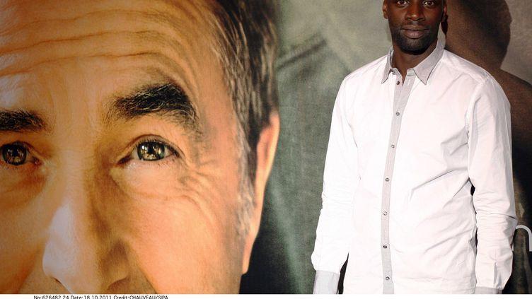"""Omar Sy assiste à l'avant-premiere du film """"Intouchables"""", le 18 octobre 2011 à Paris. (CHAUVEAU/SIPA)"""