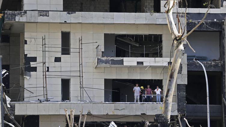 Un immeuble dévasté par la double explosion à Beyrouth (Liban), le 10 août 2020. (JOSEPH EID / AFP)
