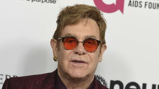 Elton John samedi 25 mars à Los Angeles au gala organisé pour son 70e anniversaire.  (Jordan Strauss/AP/SIPA)