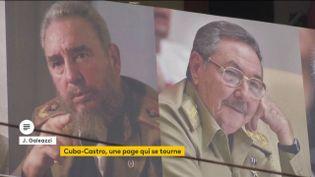 Les portraits de Fidel et Raul Castro. (franceinfo)