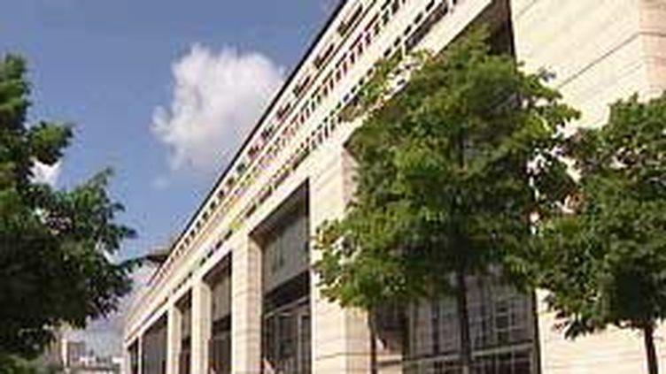Le ministère de l'Economie et des Finances, à Paris, dans le quartier de Bercy (France 2)