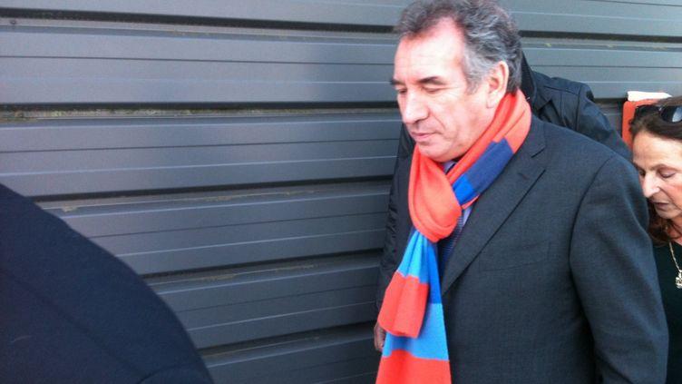 François Bayrou à marche tranquille (DR)