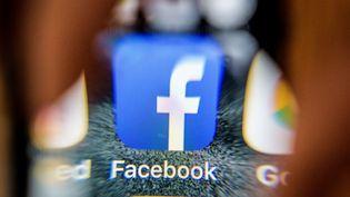 """La plupart des mises à jour annoncées """"sont prévues depuis un certain temps"""", a assuré Facebook mercredi 28 mars 2018. (MLADEN ANTONOV / AFP)"""
