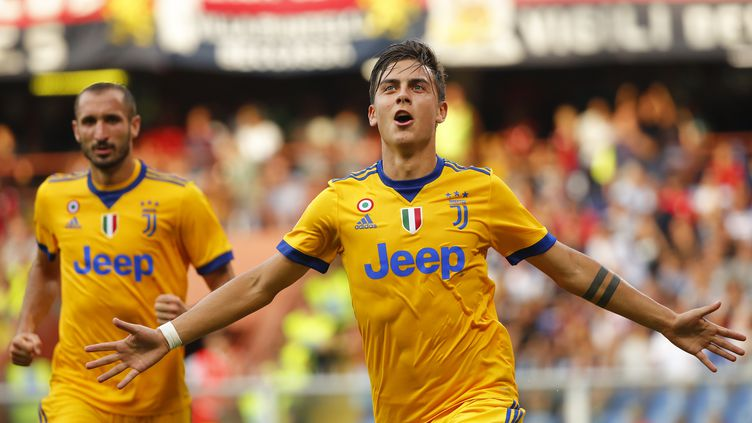 Paulo Dybala, auteur d'un triplé face au Genoa (MARCO BERTORELLO / AFP)