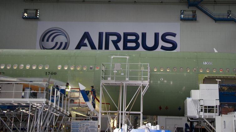 Usine de construction chez Airbus. Photo d'illustration. (PASCAL PAVANI / AFP)