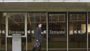 Ex-ministre de l'Economie, Arnaud Montebourg arrive pour son premier jour de formation continue à L'Insead à Fontainebleau (Seine-et-Marne), le 3 novembre 2014 (PASCAL COTELLE / SIPA)