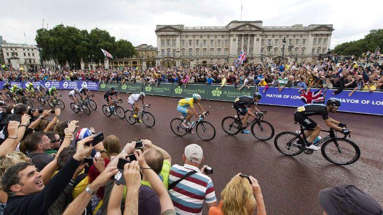 Le passage du peloton devant Buckingham Palace avant le sprint final en 2014