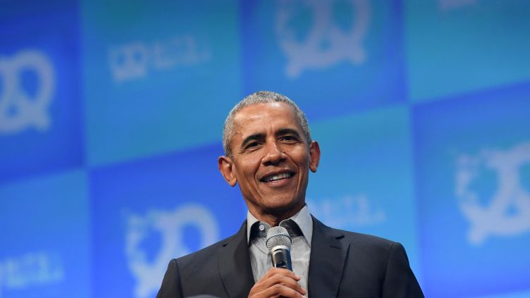 """L'ancien président américain, Barack Obama, lors du congrès """"Bits & Pretzels"""" à Munich, en Allemagne, le 29 septembre 2019. (CHRISTOF STACHE / AFP)"""