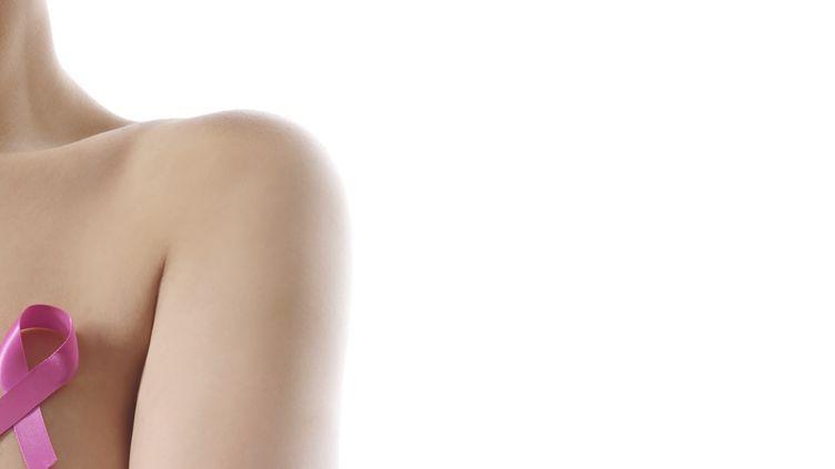 Selon une étude présentée le 3 juin 2018,70%des femmes atteintes de la forme la plus fréquente de cancer du seinpeuvent se passer de chimiothérapie grâce à l'utilisation d'un test mesurant le risque de récidive. (SCIENCE PHOTO LIBRARY / R3F / AFP)