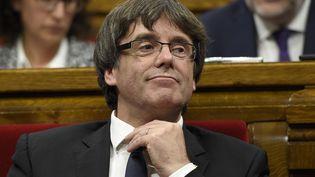 Le président de la Generalitat de Catalogne,Carles Puigdemont, au Parlement régional à Barcelone, le 10 octobre 2017. (LLUIS GENE / AFP)