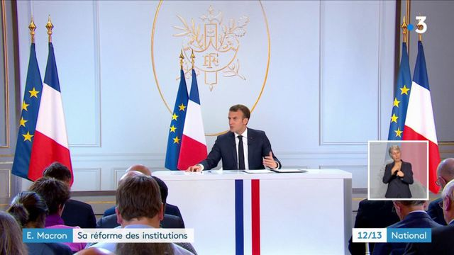 Macron : le président réforme les institutions