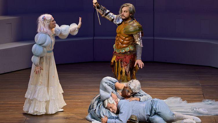 """""""Ercole Amante"""" à l'Opéra comique : Iole (Francesca Aspromonte), Hercule (Nahuel Di Pierro), Déjanire (Giuseppina Bridelli) et Hyllus (Krystian Adam). (STEFAN BRION)"""