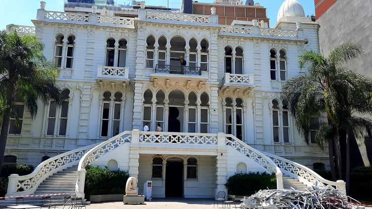 Les oeuvres et les murs du musée Sursock, dans le quartier d'Achrafieh, ont été abîmés par l'explosion qui a frappé Beyrouth le 4 août 2020. (AURÉLIEN COLLY / ESP - REDA INTERNATIONALE)