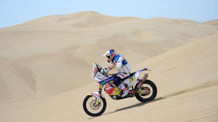 Francisco Lopez à l'assaut des dunes de Pisco (FRANCK FIFE / AFP)