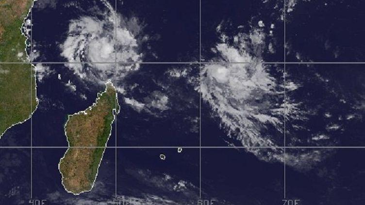Selon les prévisions, Belna passera au plus près de Mayotte dans la nuit de dimanche à lundi, non loin de l'archipel des Comores, durement frappé en avril par le cyclone Kenneth. (METEO FRANCE)