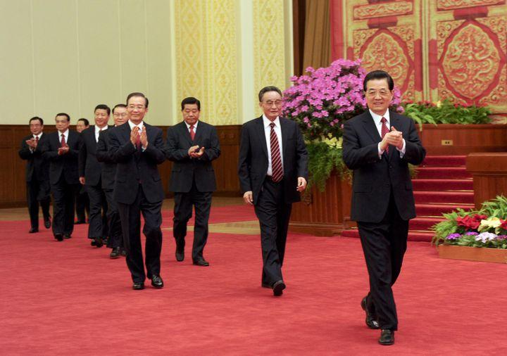 Les membres du comité permanent du bureau politique, le 21 janvier 2012 à Pékin. (ZHANG DUO / XINHUA)