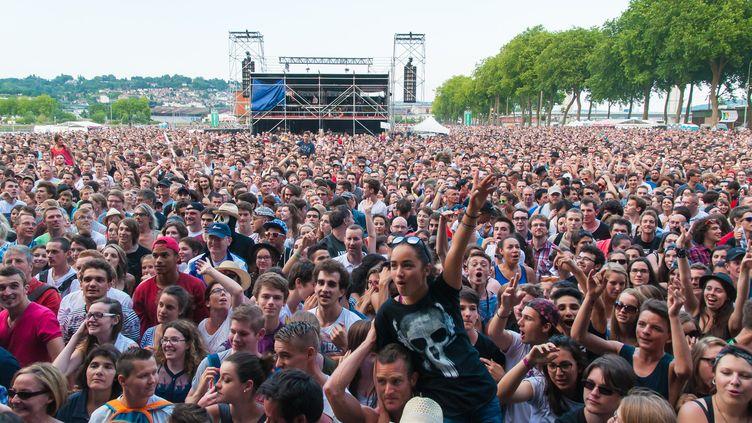 """Shaka Ponk à Rouen dans le cadre des """"Concerts gratuits de la région"""", le 4 juillet 2015  (David Villain / Citizenside / AFP)"""