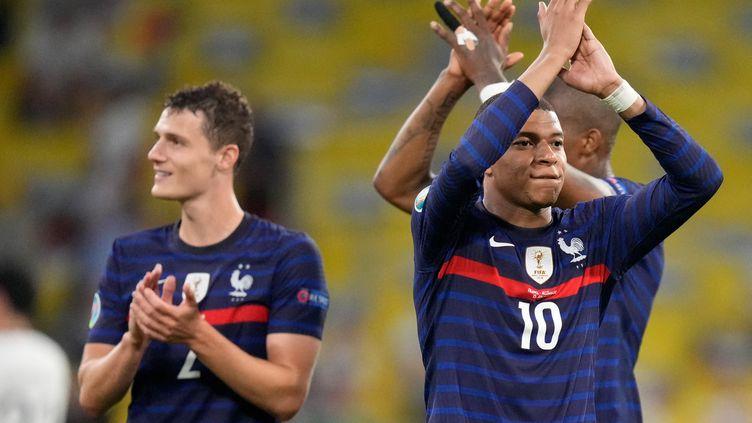 A l'image du défenseur Benjamin Pavard et de l'attaquant Kylian Mbappé, la France a dégagé une force défensive et offensive impressionnante face à l'Allemagne, pour Bixente Lizarazu. (MATTHIAS SCHRADER / POOL)