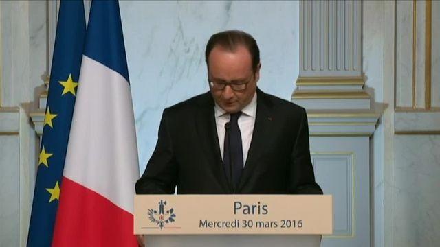 """Hollande : """"J'ai décidé de clore le débat constitutionnel"""""""
