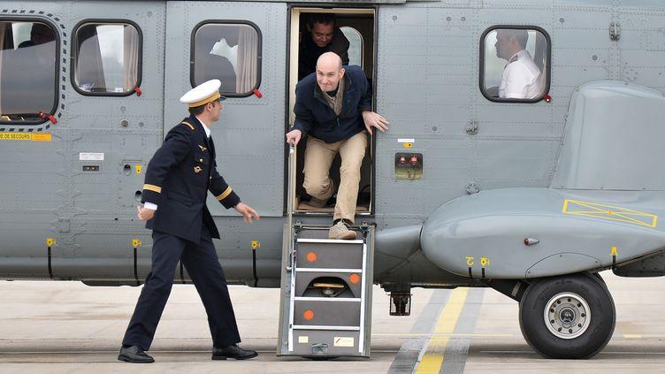 L'ex-otage Nicolas Hénin à son arrivée en France, le 20 avril 2014 à Villacoublay (Yvelines). (MUSTAFA YALCIN / ANADOLU AGENCY / AFP)