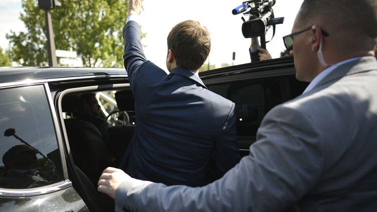 Emmanuel Macron à Paris, le 24 avril 2017. (LIONEL BONAVENTURE / POOL)