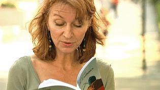 """Paola Pigani est installée à Lyon, elle vient juste de sortir son deuxième roman """"Venus d'ailleurs"""" aux éditions Liviana Lévi  (France 3 / Culturebox)"""