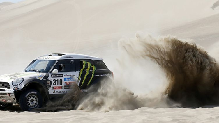 Kristof Holowczyc (Mini) dans les dunes (FELIPE TRUEBA / MAXPPP)