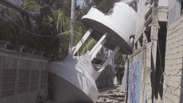 Sur l'île touristique de Gilil Trawangan, à l'Ouest de Lombok, tout est à reconstruire (France 24)