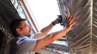Des travaux d'isolation d'une maison. (MAXPPP)