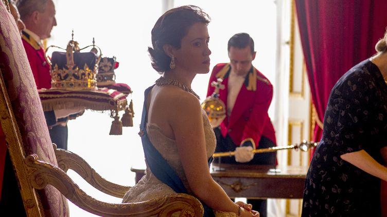 """Claire Foy incarne la jeune Elizabeth II dans la série """"The Crown"""". (ALEX BAILEY/NETFLIX)"""