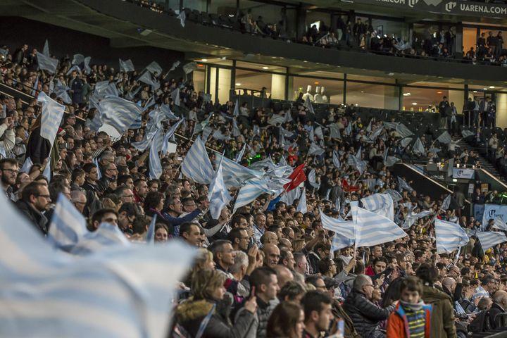Les supporters du Racing 92 à la U Arena (DENIS TRASFI / MAXPPP)