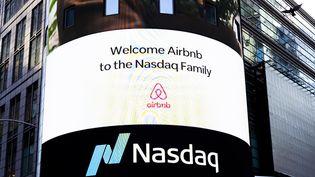 L'arrivée d'Airbnbà la bourse de New York, le 10 décembre 2020. (JUSTIN LANE / EPA)