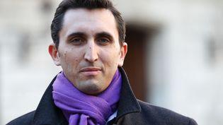 Le député UMP Julien Aubert en campagne pour les municipales àCarpentras (Vaucluse) , le 5 mars 2014 (ALAIN ROBERT / APERCU / SIPA)