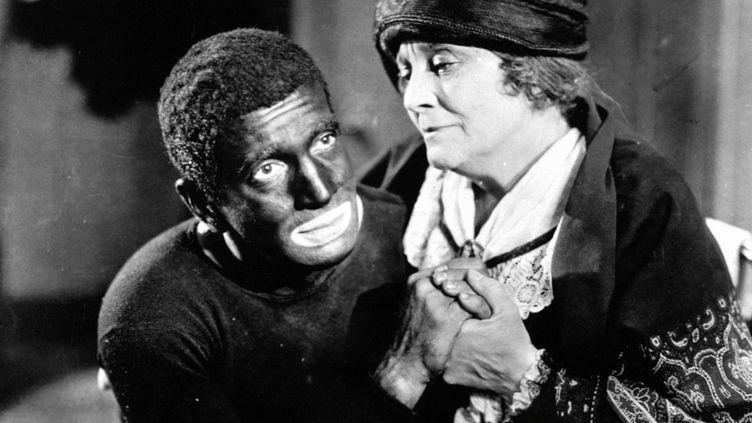 """Le comédien américain Al Jolson (G) dans """"Le Chanteur de jazz"""" en 1927. (PHOTO 12 / AFP)"""