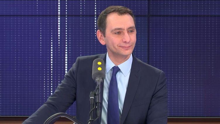 """Laurent Jacobelli, porte-parole du Rassemblement national, était l'invité du """"8h30 franceinfo"""", mercredi 1er janvier 2020. (FRANCEINFO / RADIOFRANCE)"""