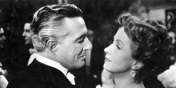 Vittorio de Sica et Danielle Darrieux dans Madame de...  (Ronald Grant)