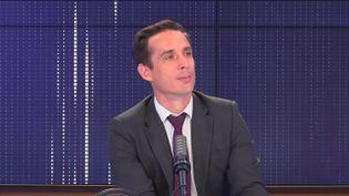 """Jean-Baptiste Djebbari,ministre délégué chargé des Transports était l'invité du """"8h30 franceinfo"""", mardi 14 septembre 2021. (FRANCEINFO / RADIOFRANCE)"""