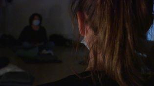 """Le CHU de Lille a créé une """"zen zone"""" pour aider ses soignants à se ressourcer en pleine épidémie de Covid-19. (France Télévisions)"""