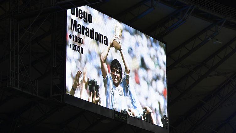 Diego Maradona, légende absolue du football, est décédé ce mercredi 25 novembre à 60 ans. (DOUGLAS MAGNO / AFP)