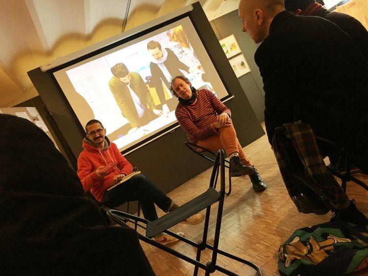 Jean-Christophe Menu (à droite), et June, exposition Pierre Feuille Ciseaux #6  (Laurence Houot - Culturebox)